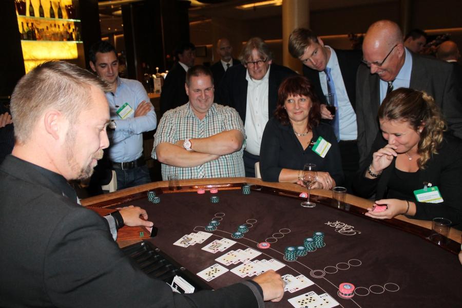 Brunnen poker schließt