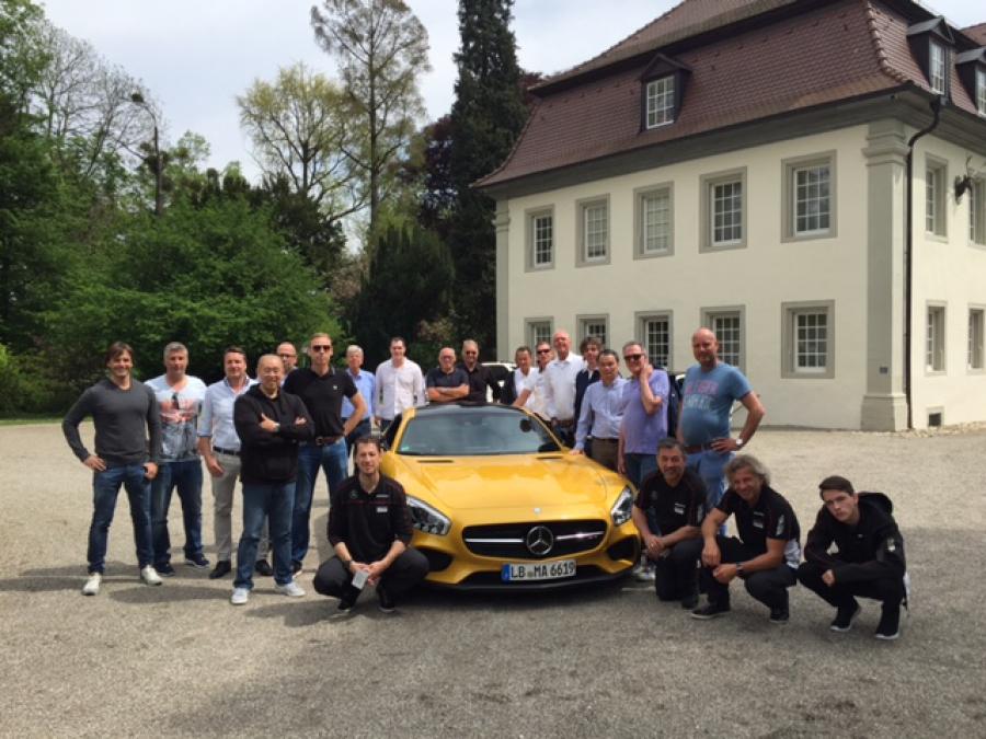 Sponsoren Bezoeken Amg Fabriek Duitsland Samen Met Mercedes Benz
