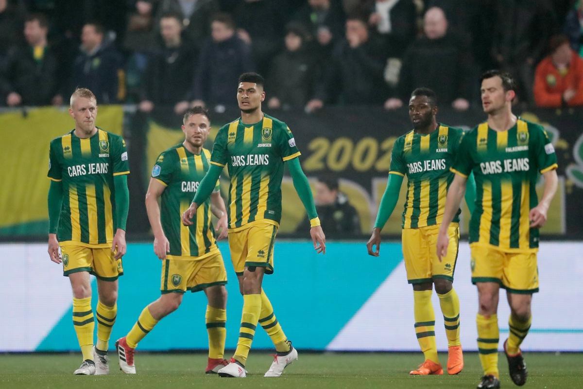 Tien man ADO Den Haag krijgen NAC Breda niet over de knie