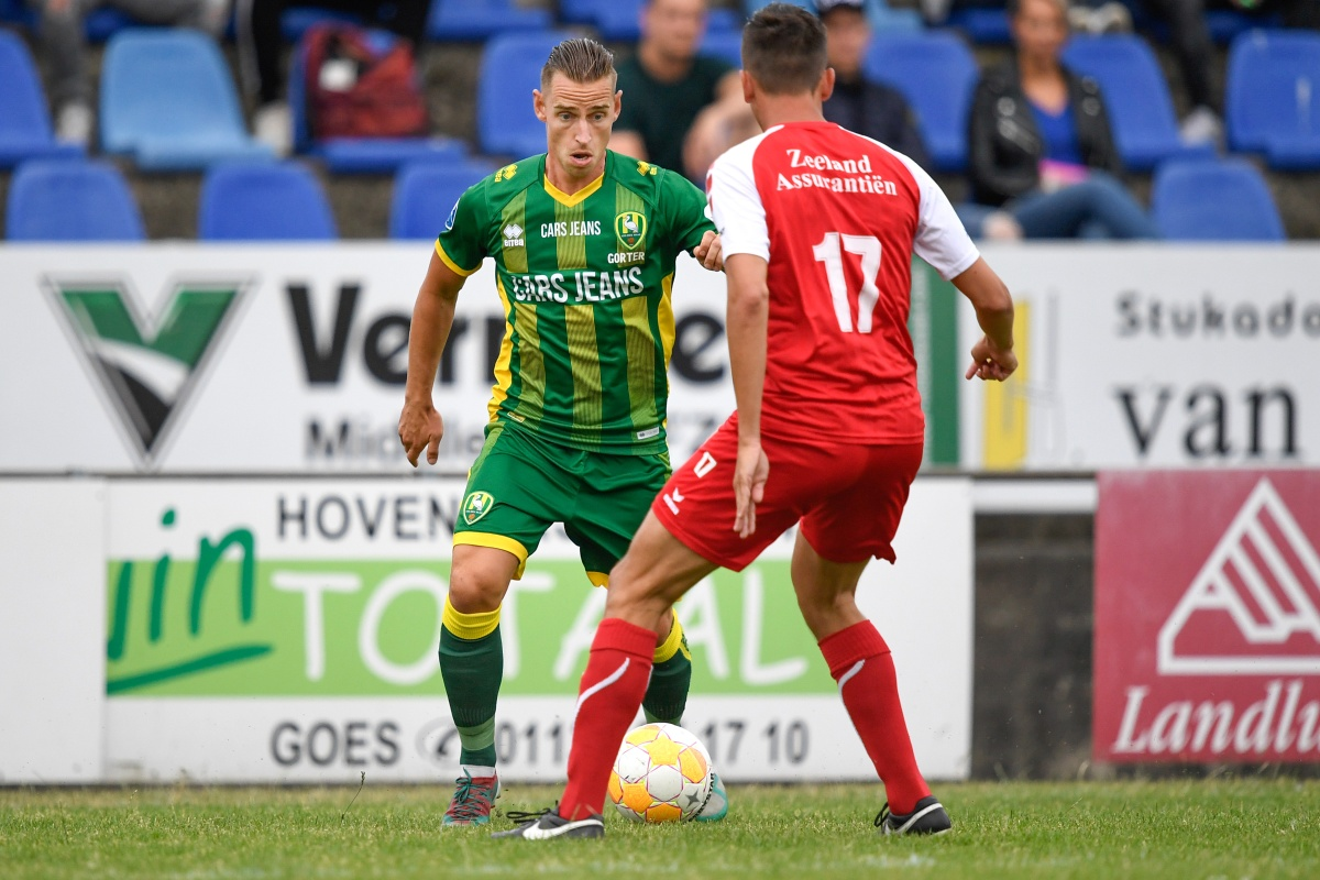 ADO Den Haag start trainingskamp in Zeeland met verlies